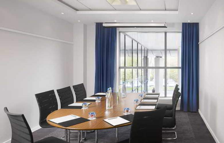 Radisson Blu Hotel Manchester Airport - Conference - 6