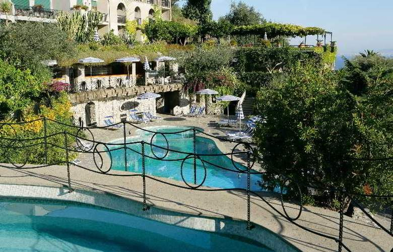 Grand Hotel Capodimonte - Pool - 3