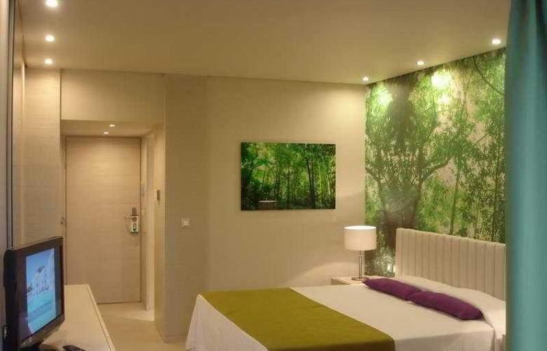 Eden Roc - Room - 4