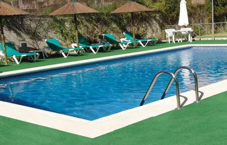 Hotel Sercotel Extremadura - Pool - 1