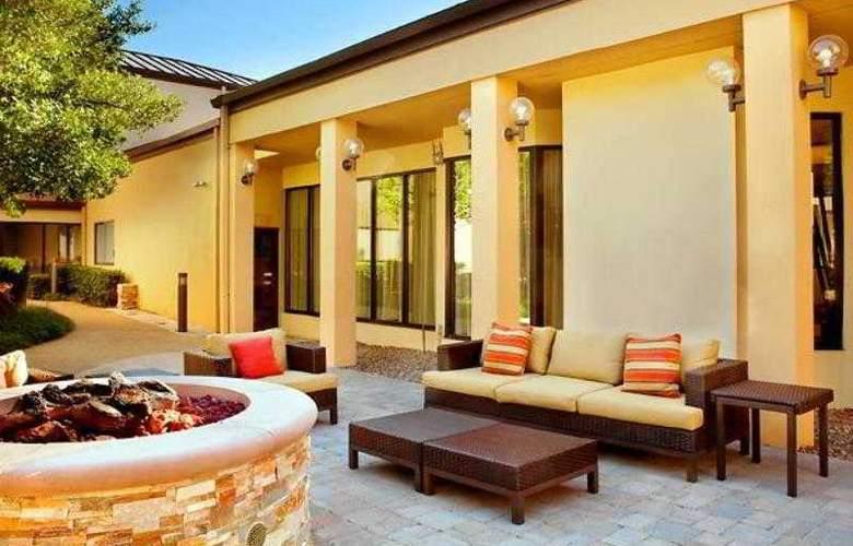 Courtyard Dallas Las Colinas - Hotel - 14