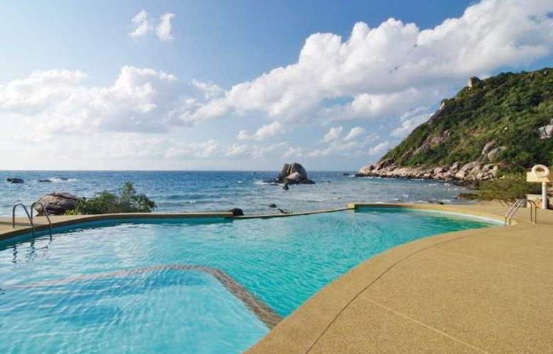 Montalay Beach Resort - Pool - 6