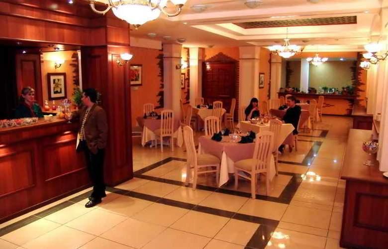 Le Grande Plaza - Bar - 6