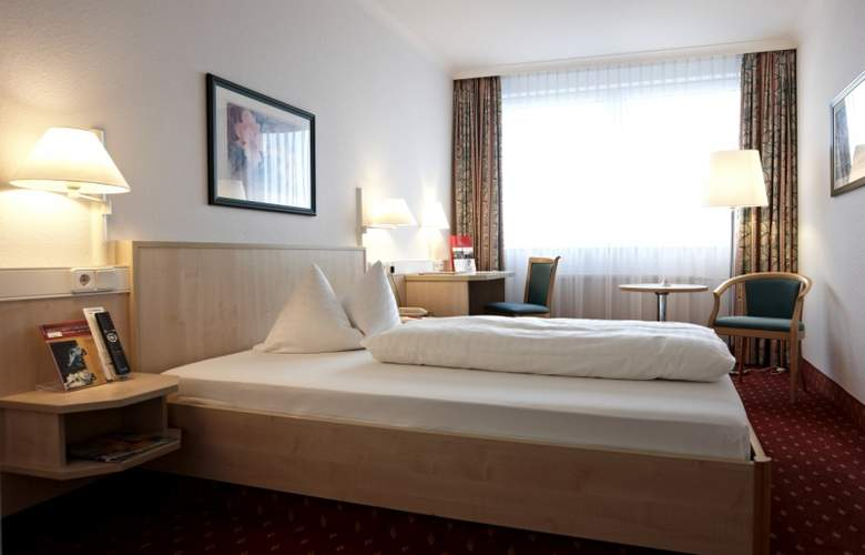 Intercity Hotel Schwerin - Room - 5