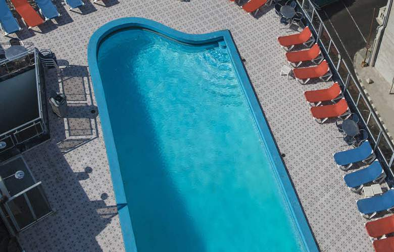Deauville - Pool - 3