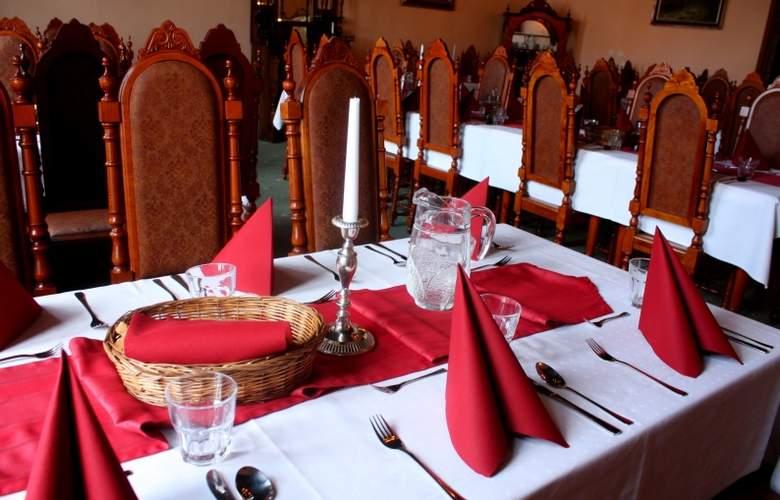 Zlaty Andel - Restaurant - 3