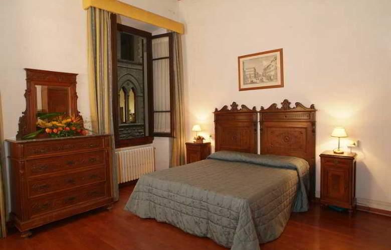 Cimabue - Room - 12