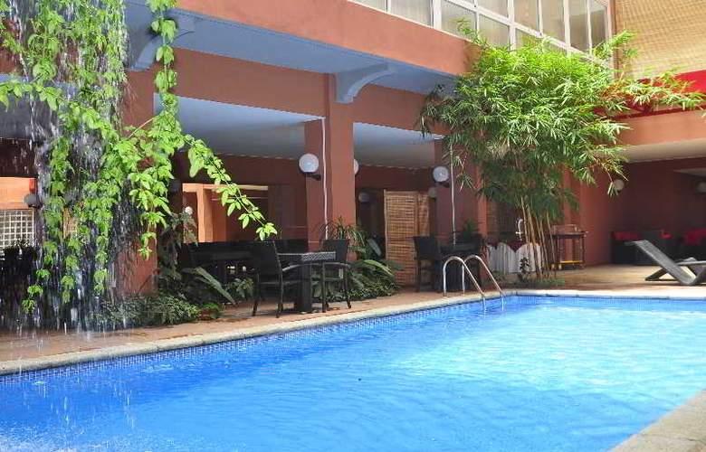 Le Grand Mellis Hotel & Spa - Pool - 13