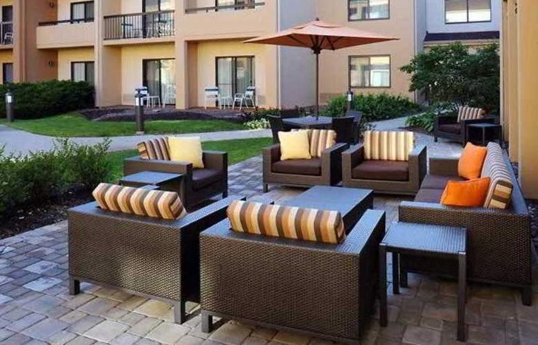 Courtyard Chicago Waukegan/Gurnee - Hotel - 2