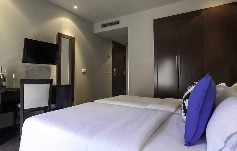 Acta bcn 40 - Room - 12