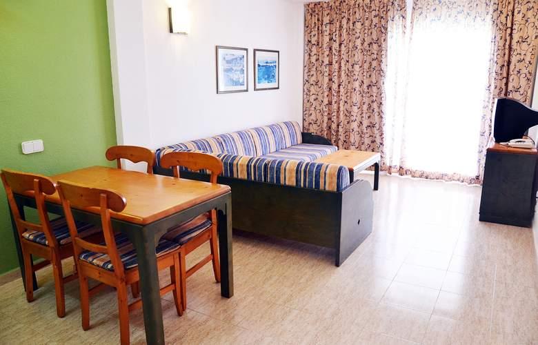 Blue Star Apartamentos - Room - 2