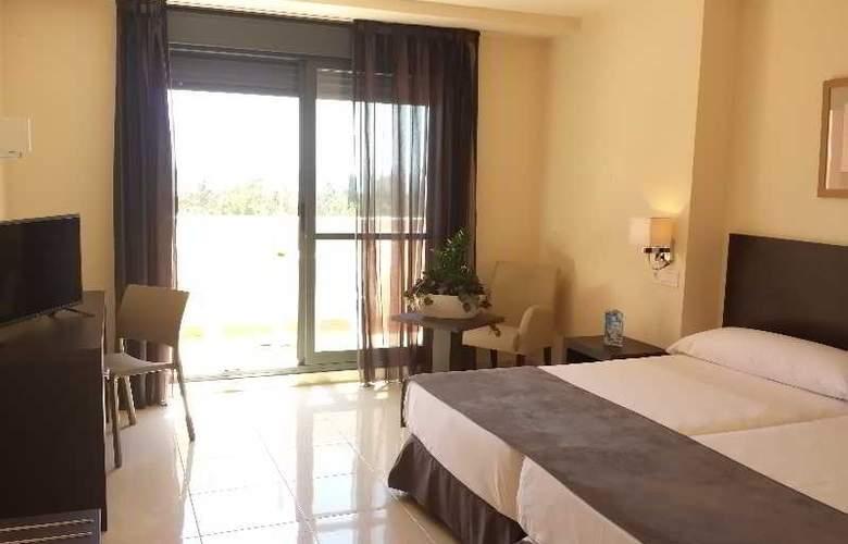 Adaria Vera - Room - 10