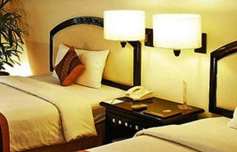 Travellers Hotel Jakarta - Room - 1