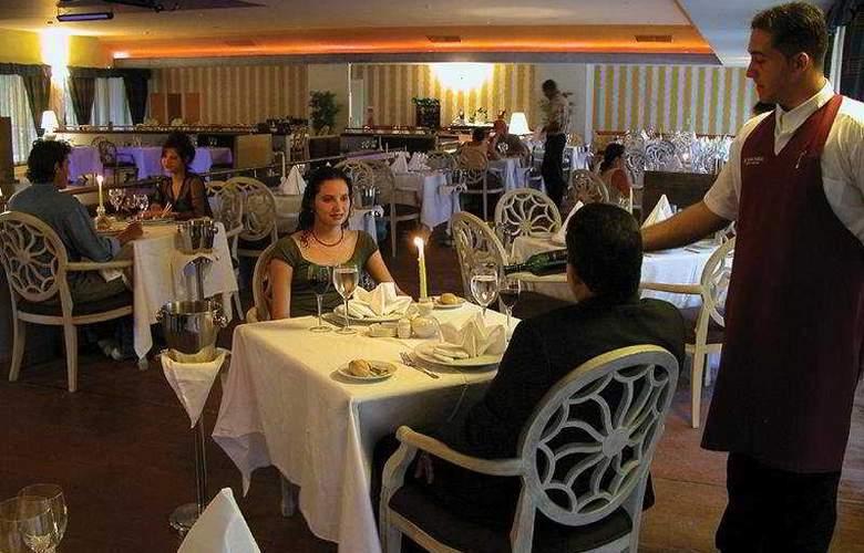 Playa Pesquero - Restaurant - 6