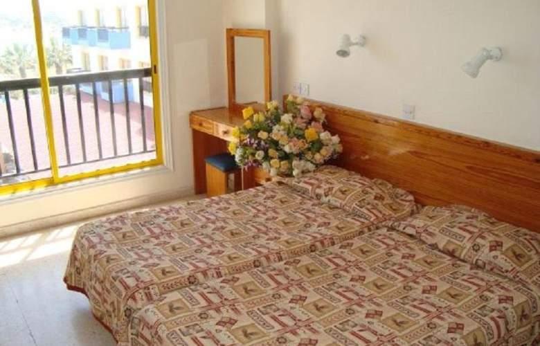 Evalena Beach Hotel Apts - Room - 12