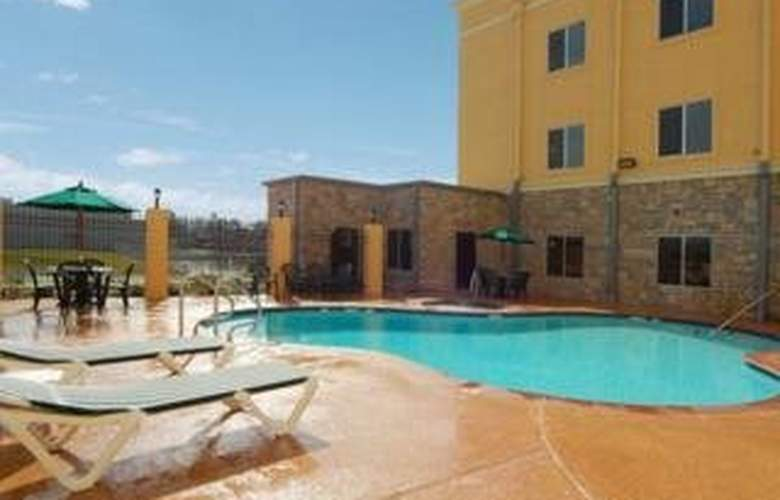 Comfort Suites (Houston/Intercontinental Airport) - Pool - 4