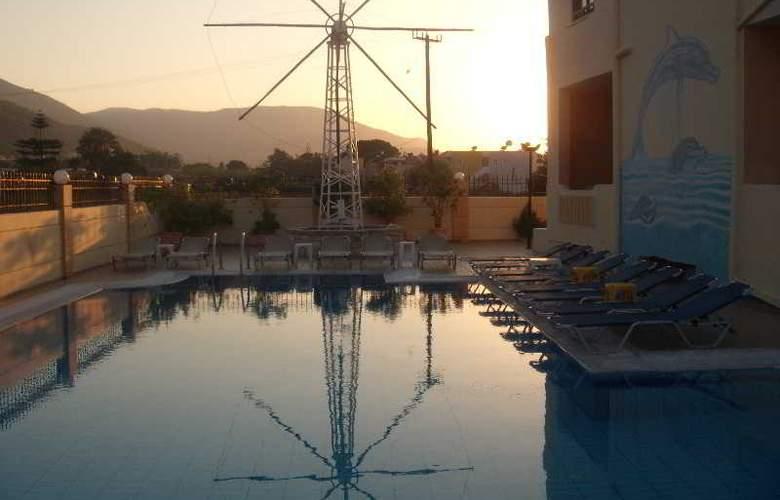 Villa Diasselo - Pool - 25