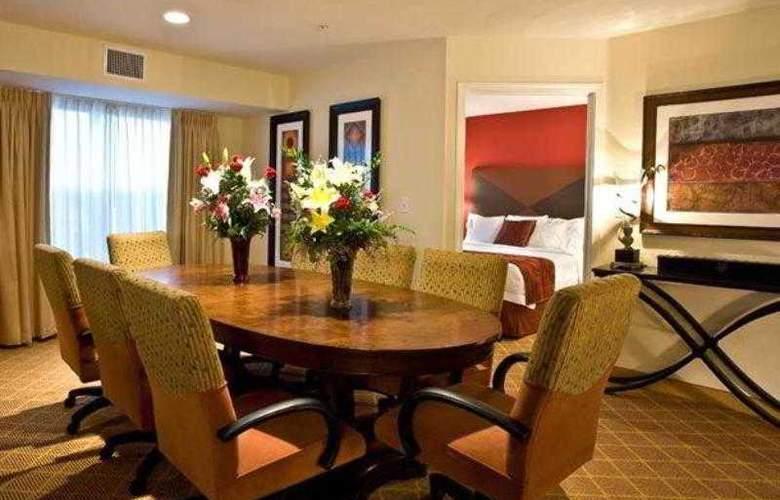 Residence Inn Phoenix Glendale Sports - Hotel - 1