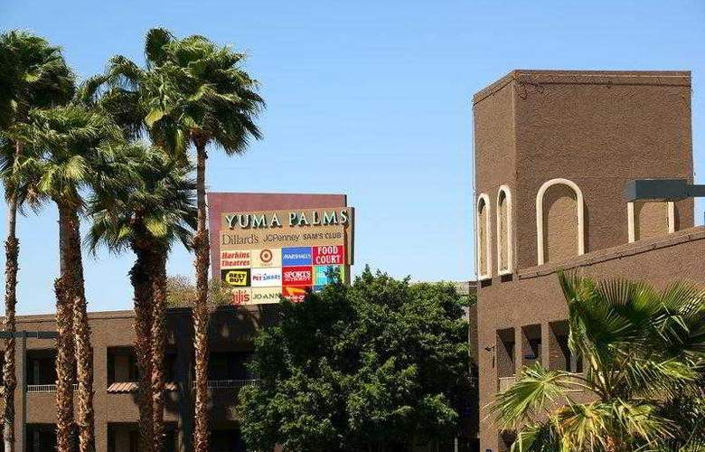 Best Western Plus Inn Suites Yuma Mall - Hotel - 46