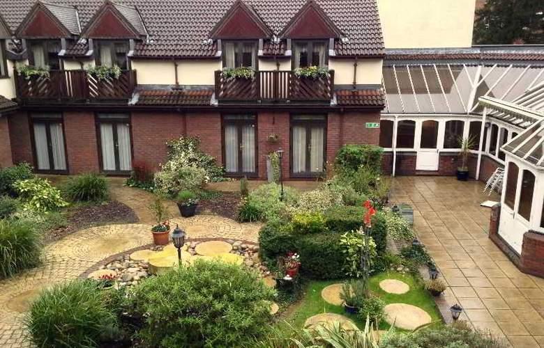 Brook Kingston Lodge - Hotel - 1