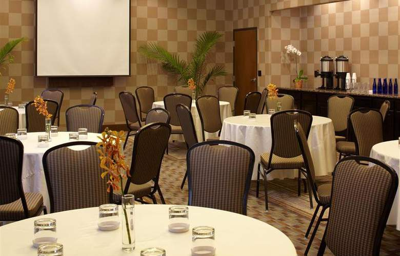 Best Western Plus Atrea Hotel & Suites - Conference - 57