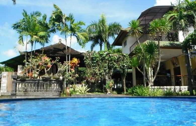 Bona Village Inn - Pool - 7