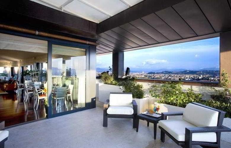 Hilton Florence Metropole - Terrace - 5