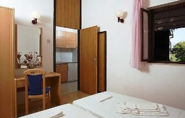 Apartments Lina - Room - 0