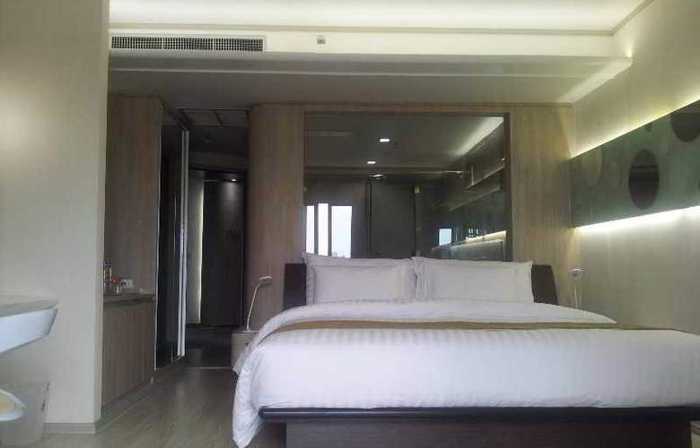 Pattaya Discovery Beach Hotel - Room - 21