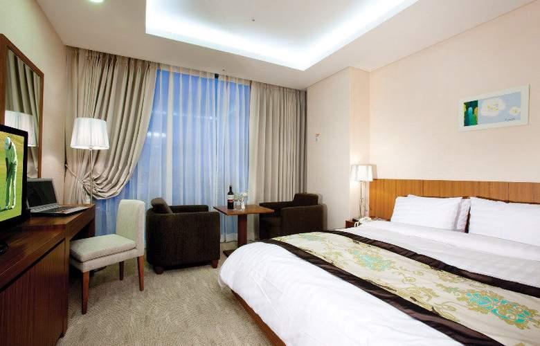 Harbor Park Hotel - Room - 0