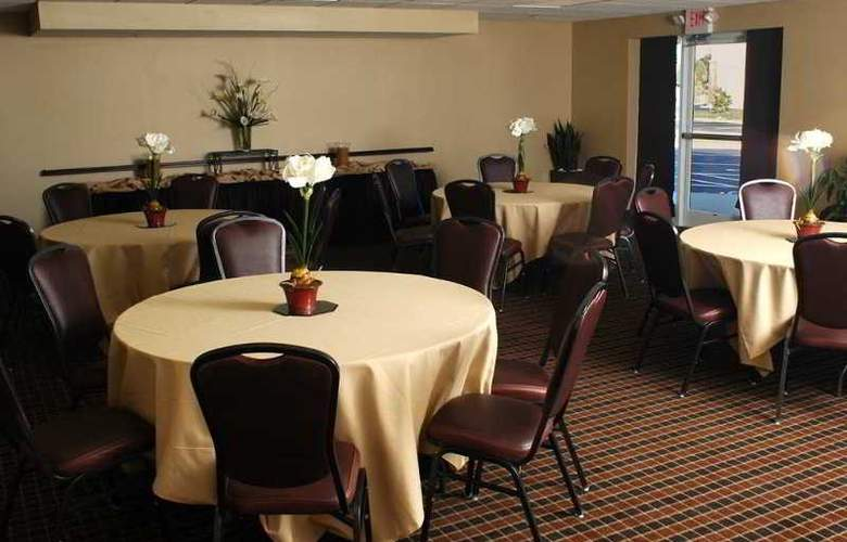 Homewood Suites by Hilton Louisville-East - Restaurant - 8