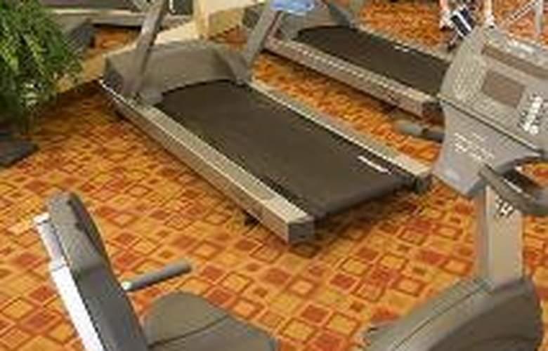 Hilton Garden Inn Plymouth - Sport - 4