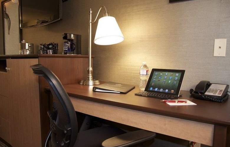 Best Western Plus Innsuites Phoenix Hotel & Suites - Room - 61
