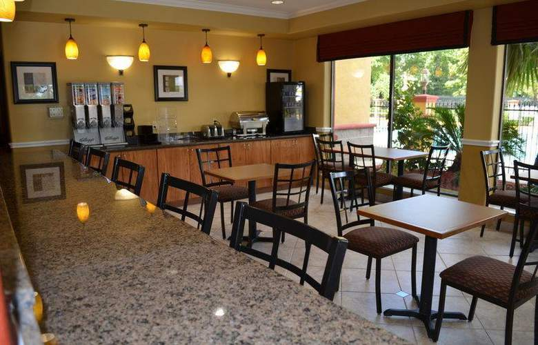 Best Western Greenspoint Inn and Suites - Restaurant - 152