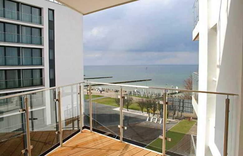 Ultra Marine - Terrace - 1