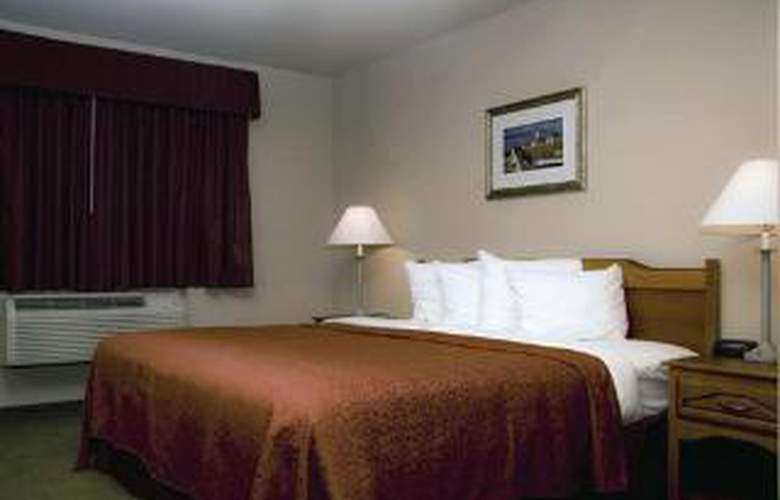Quality Inn & Suites - Room - 0