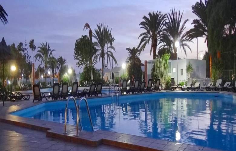 Canary Garden Club - Pool - 13