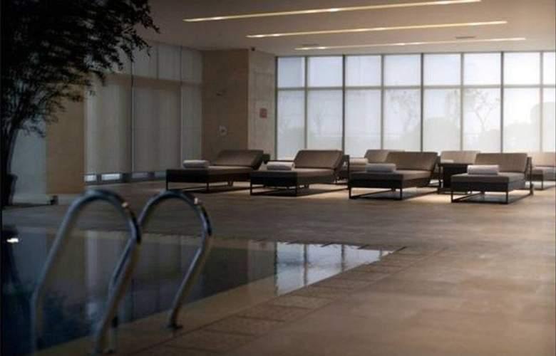 Fraser Suites - Pool - 1