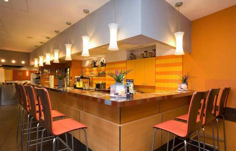 ibis Budapest Heroes Square - Bar - 11