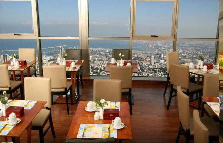 Crowne Plaza Haifa - Bar - 3