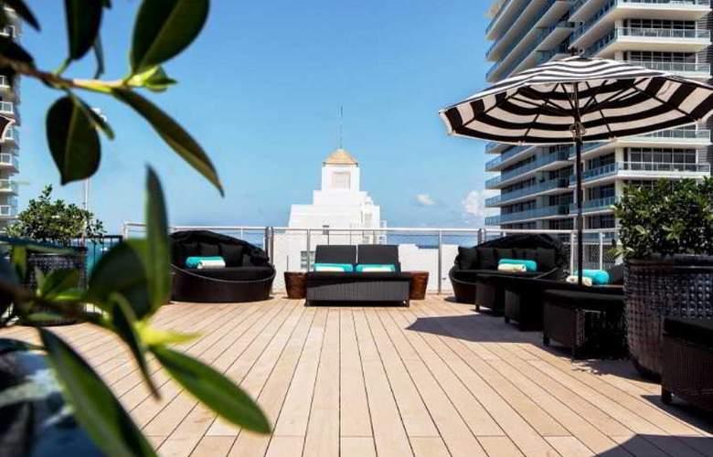 Croydon Miami Beach - Terrace - 6