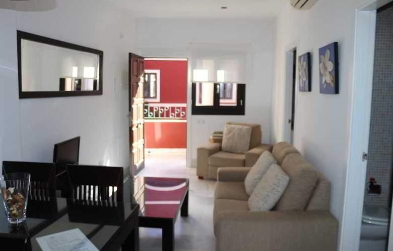 AT Palacio de Luja - Room - 9
