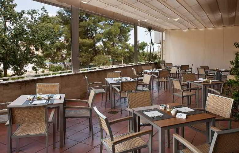 NH Luz Huelva - Terrace - 11