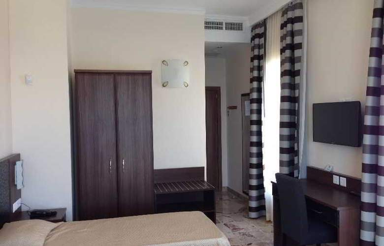 Grand Harbour - Room - 8