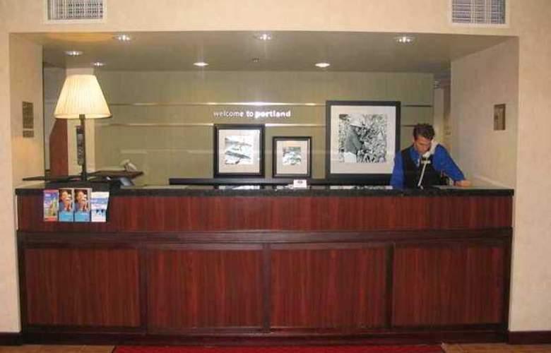 Hampton Inn Portland-Airport - Hotel - 0