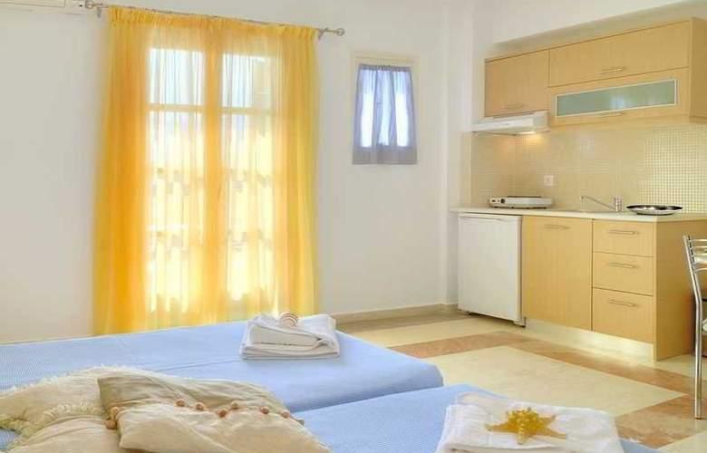 Pyrgos Beach Apartments - Hotel - 2