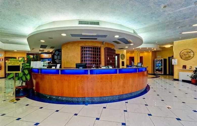 Best Western Blu Hotel Roma - Hotel - 10
