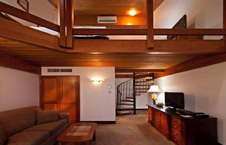 Charlton's Cedar Court - Room - 12