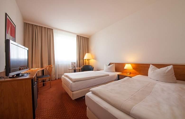Novina Sudwestpark Hotel - Room - 9
