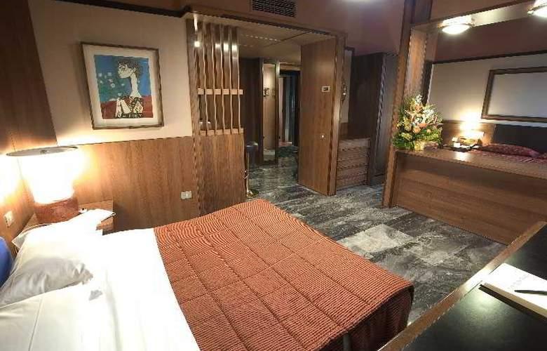 Grand Hotel Elite - Room - 3